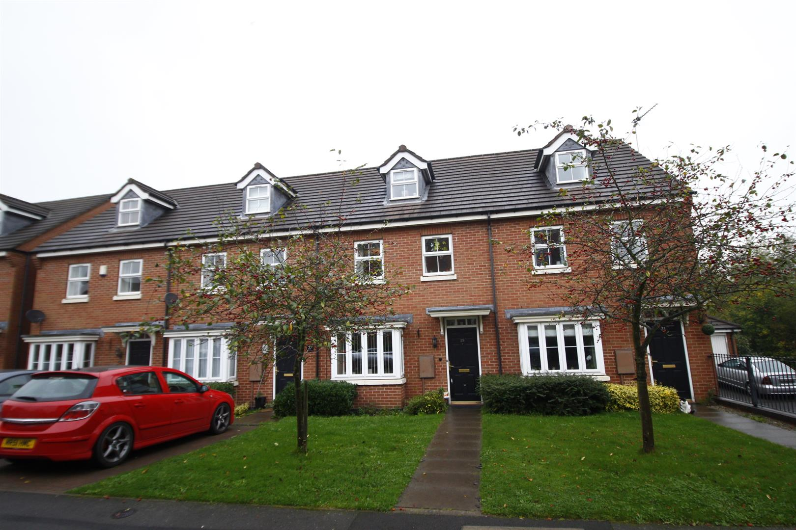 3 Bedrooms Town House for sale in Box Close, Woodville, Swadlincote